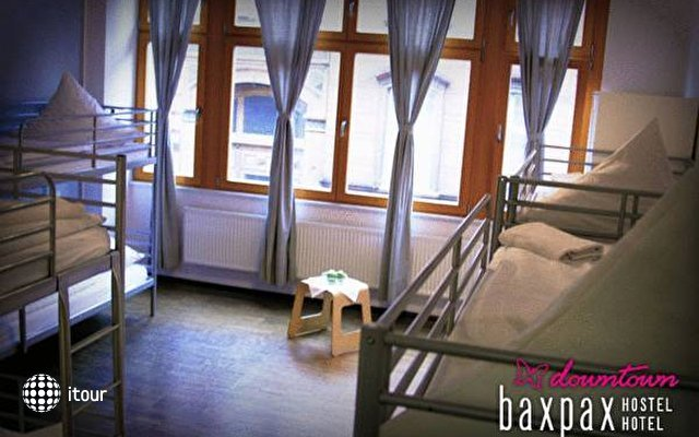 Baxpax Downtown Hostel 6