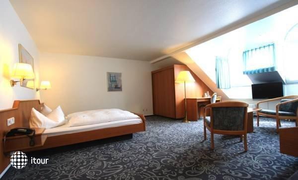 Alfa Hotel 4