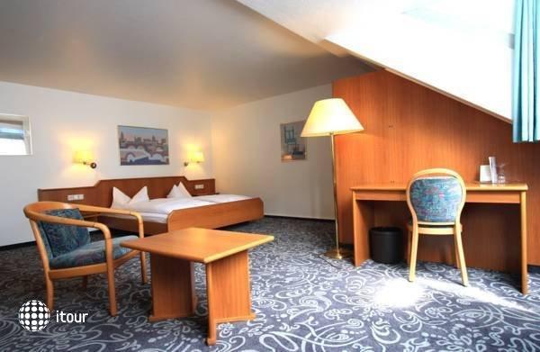 Alfa Hotel 5