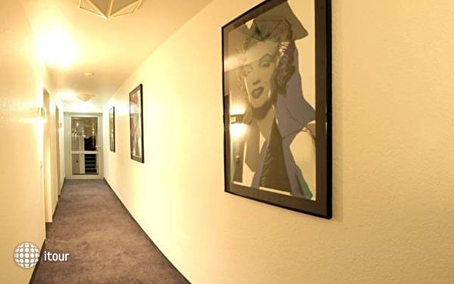 Alfa Hotel 10