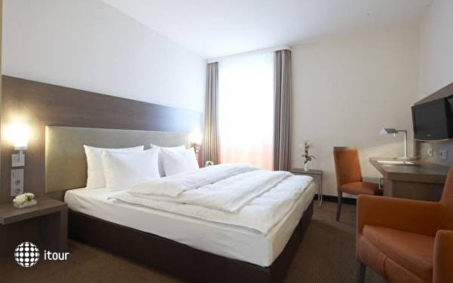 Intercityhotel Berlin-brandenburg Airport 8