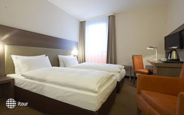 Intercityhotel Berlin-brandenburg Airport 9
