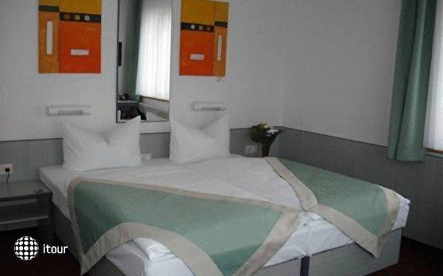 Hotel Port Inn 3