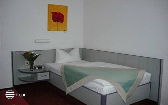 Hotel Port Inn 4