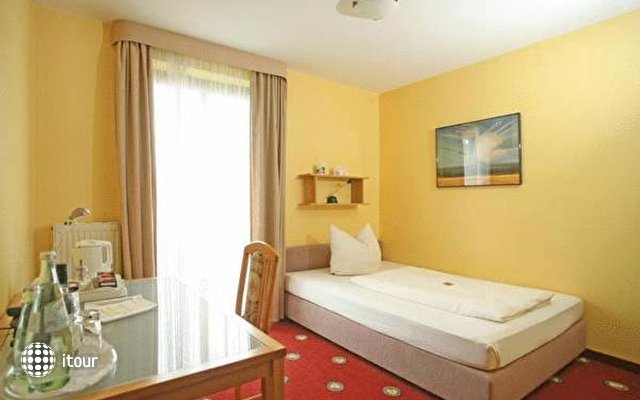Golden Leaf Hotel Perlach Allee Hof 1