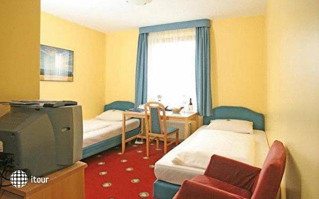 Golden Leaf Hotel Perlach Allee Hof 2