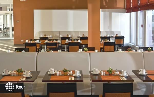 Azimut Hotel Munchen City Ost 10