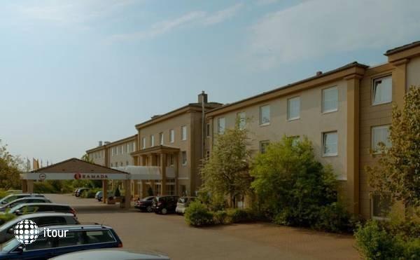 Ramada Hotel Frankfurt Airport West 2