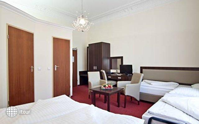 Tot Hotel Graf Moltke 4