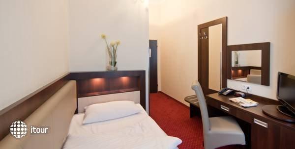 Tot Hotel Graf Moltke 5