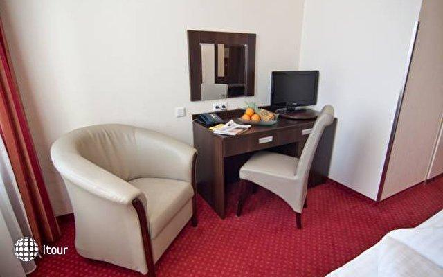 Tot Hotel Graf Moltke 7