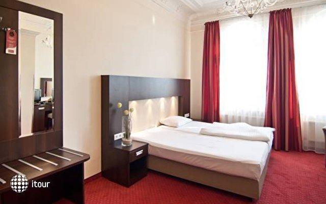 Tot Hotel Graf Moltke 8
