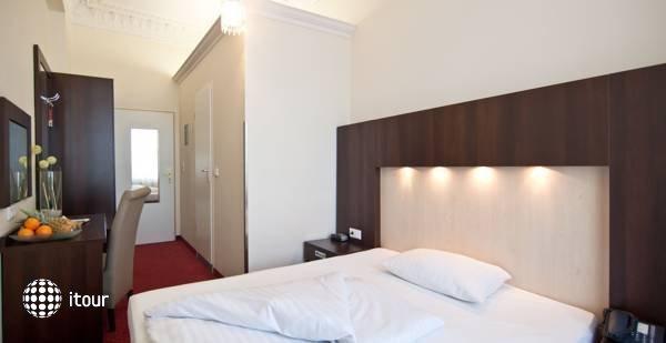 Tot Hotel Graf Moltke 9