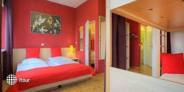 Meininger Hotel Hamburg City Center 2