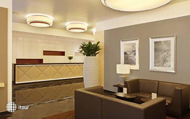 Ramada Uberseehotel 2
