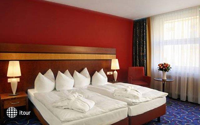 Ramada Uberseehotel 9
