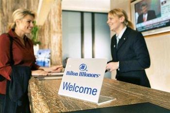Hilton Dusseldorf 9