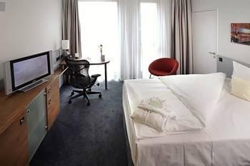 Hilton Garden Inn Stuttgart Neckarpark 4