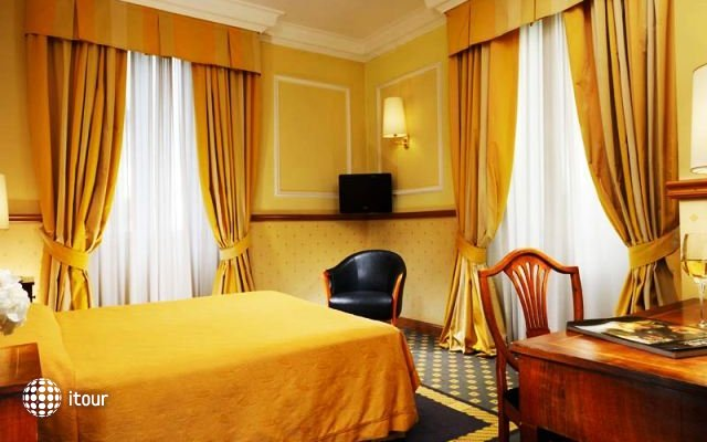 Savoy Hotel Rome 8