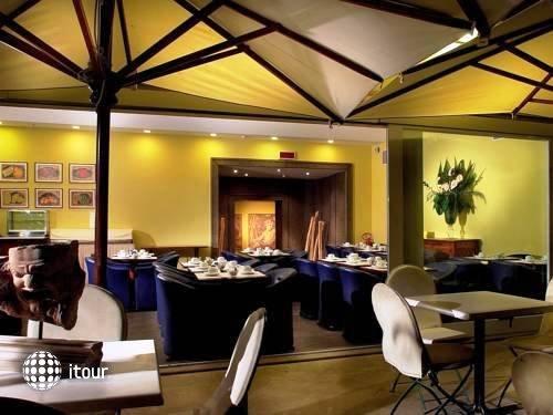 Hotel Diplomatic 12