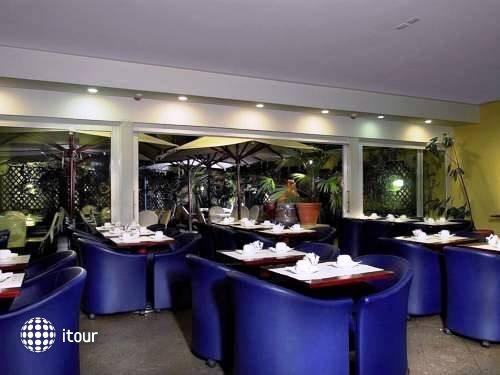 Hotel Diplomatic 13