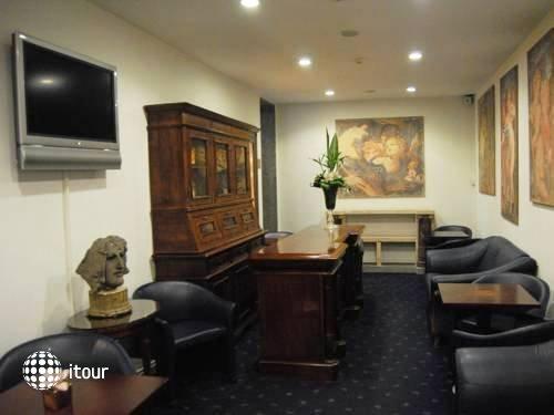 Hotel Diplomatic 15