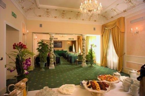 Ambasciatori Palace Rome 9