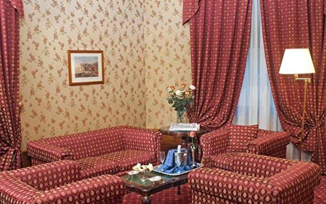 Grand Hotel Ritz 4