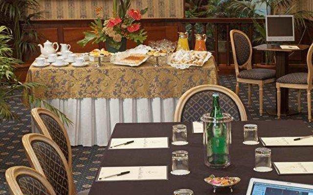 Grand Hotel Ritz 9