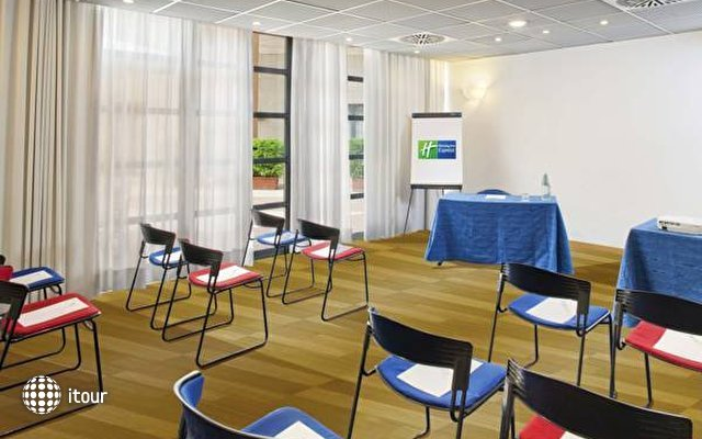 Express By Holiday Inn San Giovanni 8
