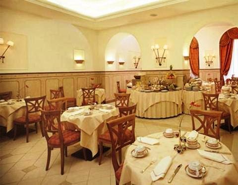 Ambra Palace 9