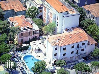 Brown - Atrium Hotel 1