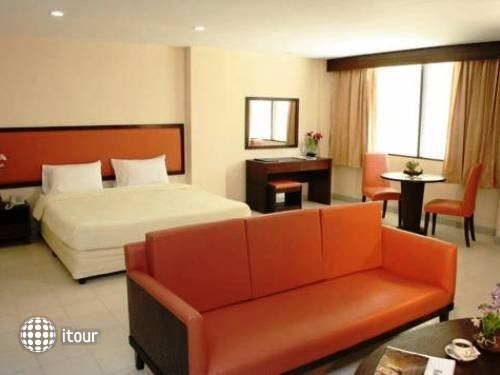 Nice Beach Hotel 7