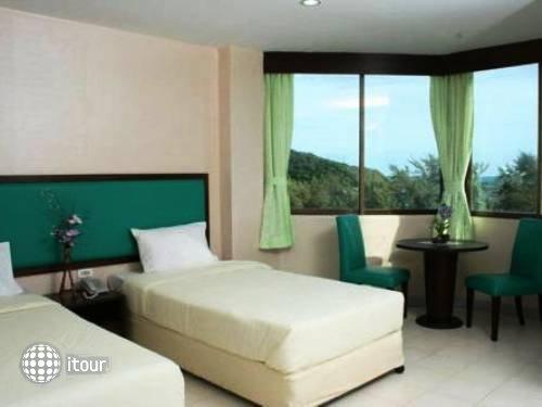 Nice Beach Hotel 9