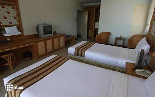 Rayong Chalet Resort Hotel  9
