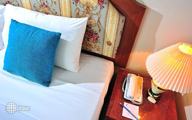 Thipurai City Hotel 3