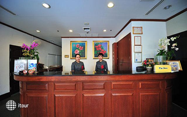 Thipurai City Hotel 9