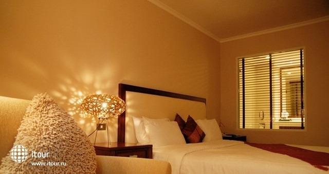 Bandara Suites Silom 5