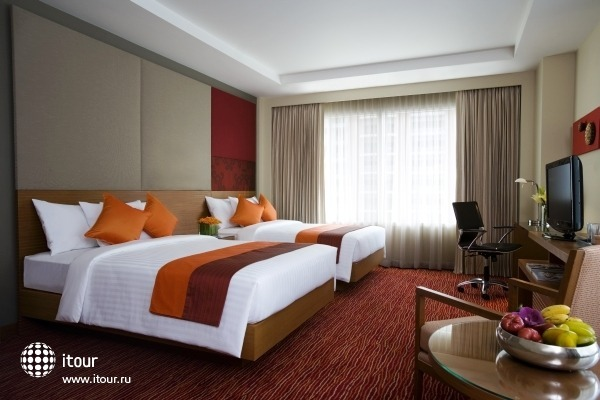 Courtyard By Marriott 3