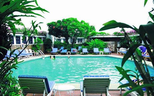 Montien Hotel Bangkok 10