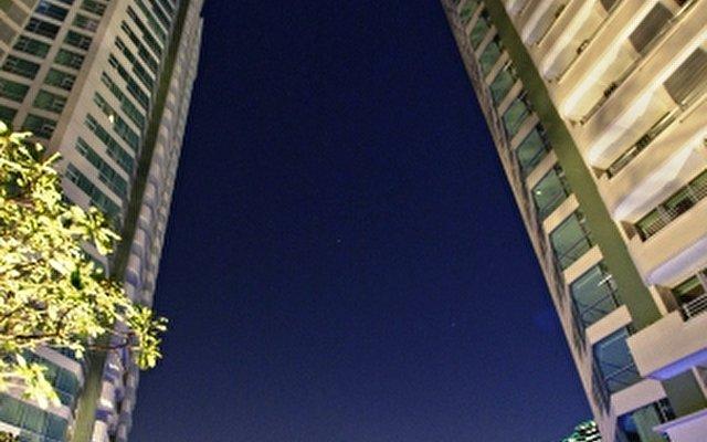 Radisson Hotel Bangkok Sathorn  4