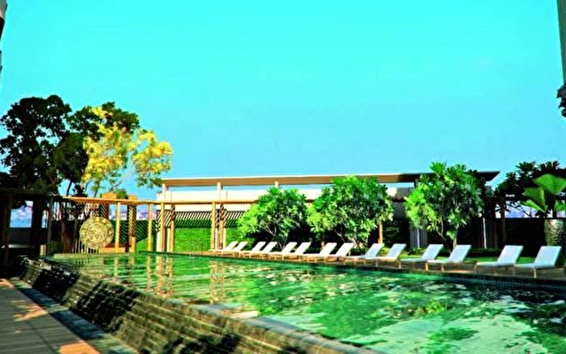 Radisson Hotel Bangkok Sathorn  9
