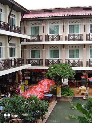 Rambuttri Village Plaza 7