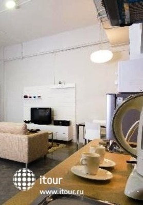 212 Service Apartment 6