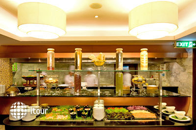 Bangkok Centre Hotel 8