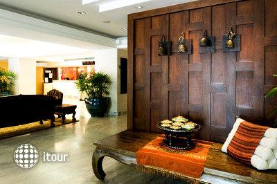 Bangkok Centre Hotel 9