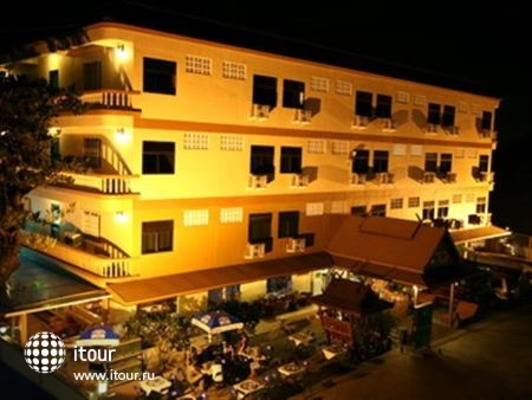 Queen's Garden Resort 1