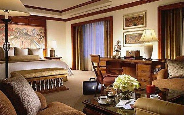 Four Seasons Hotel Bangkok 10