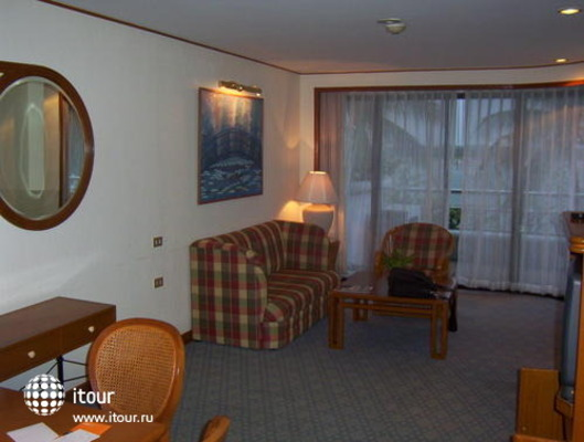 Eastin Lakeside Hotel 6