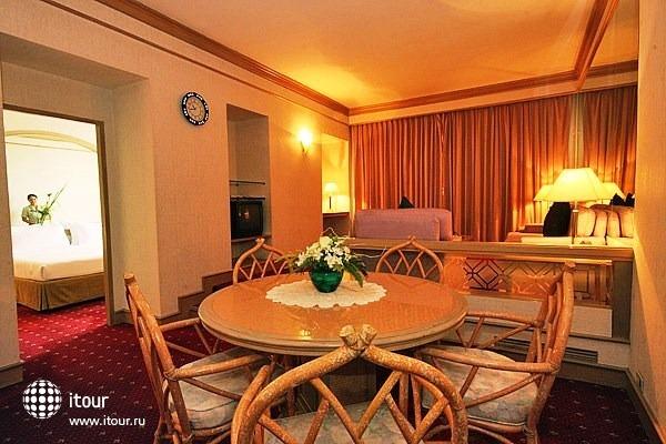 Louis' Tavern Hotel 4